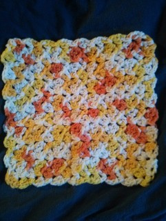 https://handmadestitchbystitch.wordpress.com/2012/10/09/easy-crochet-dishcloth/